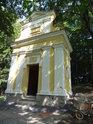 Jedna z kapliček na Hostýně, toho času na konci stavební rekonstrukce.